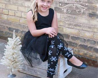 Black and White Snowflake Girl's Leg Warmers