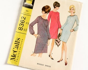 Vintage 1960s Womens Size 14 Day Dress McCalls Sewing Pattern 8362 FACTORY Folds / bust 34 waist 26 / French Darts, Gathered Neckline