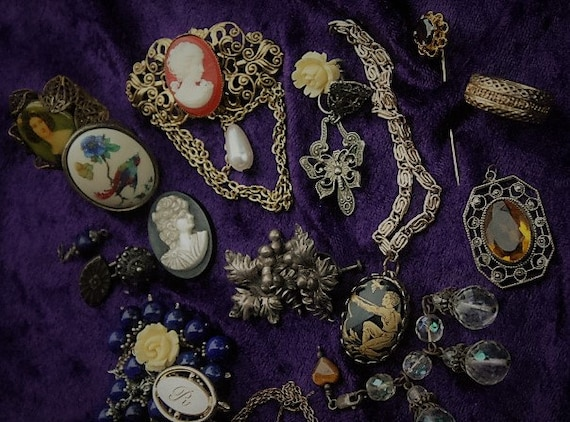 Detash Victorian Stash/Jewelry lot/Vintage Jewelry/steampunk supplies jewelry/craft supplies/jewelry supplies/costume jewelry/Art Nouveau No
