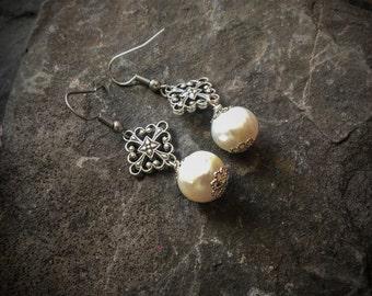 Tudor Pearl Earrings with Quatrefoil Shape