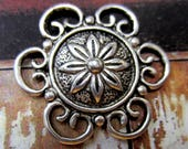 10 Antique silver pendants round flower 30mm circular pendant HP085Y-(YYY3)