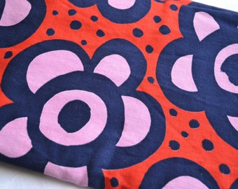 Vintage Tablecloth - Mod Flowers in Navy and Red Canvas - 44 x 68