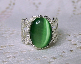 Green Cat's Eye Filigree Ring, Petite Light Green Pale Green Cameo Cabochon Filigree silver plated Adjustable Ring, Synthetic Chatoyancy