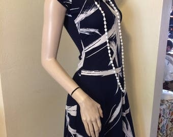 Vintage 70s retro Navy Blue and White Op Art Secretary Day dress SiZe  X Small