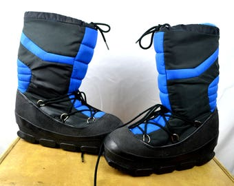 Vintage 1980s Black Blue Striped Ski Winter Snow Stomping Moon Boots
