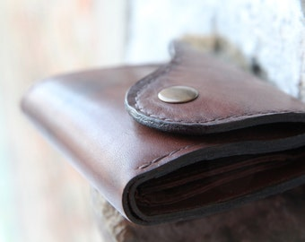Mens Leather Wallet - A Handcrafted Bifold Leather Wallet With Coin Pouch and Note Slot