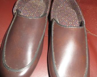 retro  Men's Slippers,Size 10 1/2 D, Hush Puppies