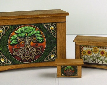 Blanket Chest With Graphics 1:48 Scale