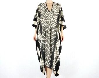 One Of A Kind - Black Tie Dye Weaving Pattern Pinted Light Nano Rayon Kaftan Dress Poncho Dress Women Tops Maxi Dress
