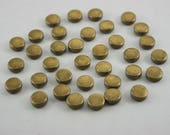 300 pcs. Antique Brass Round Flat Head Rivet Stud Buttons Decorations Findings 7 mm. RO Br 73 35 RV WY