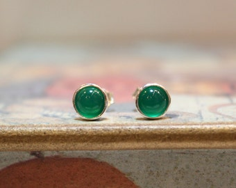 Sterling Silver Green Agate Gemstone Stud Earrings