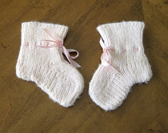 Vintage 1950's pale pink knitted baby booties for nursery decor,collectible,photo prop or for baby to wear