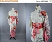 SALE - 1950s Vintage Silk Kimono Robe / 50s Wedding Dressing Gown Lingerie / Downton Abbey Art Deco / Ombre Pink & White Peony Floral Print
