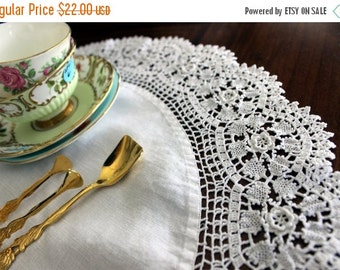 24 Inch Vintage Doily in White - Linen Centered with Exquisite Crochet Lace Border 13668