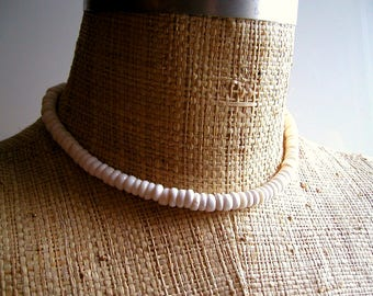 "Vintage 1970s Puka Shell Necklace Hawaii Surfer Realness - Nantucket Prep - Unisex 19"" Length - Summer Men's Women's Jewelry - David Cassidy"