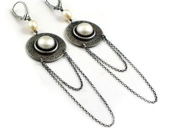 Pearl earring, long silver earring, etched silver ,metalwork jewelry, elegant earring