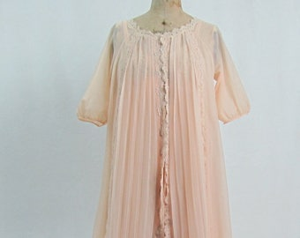 Vintage 1960s Pale Pink Peignoir Set Nightie Negligee Kaylser