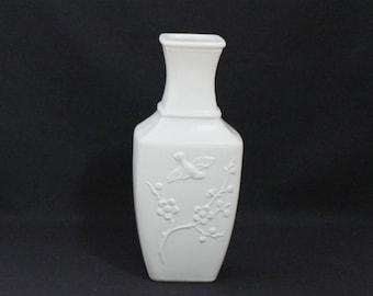 Avon White Celadon Dynasty Glass Vase - Birds and Flowers  (874)