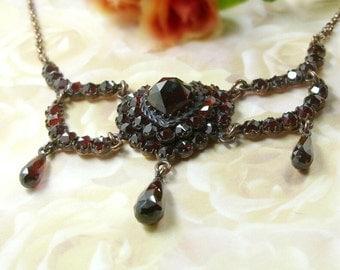 Vintage garnet heart festoon necklace in Victorian style || E#PK