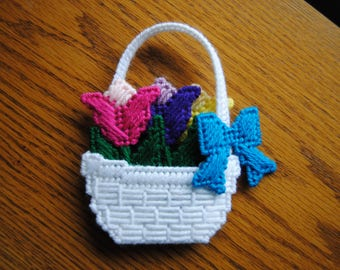 Plastic Canvas Refrigerator Magnet Basket with Flowers and Bow