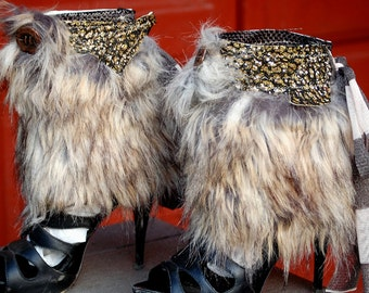 Cuffs, spats, warrior woman, steampunk cuffs, shoe accessoires, cosplay, costume, winter,faux fur, Mad Max, glitter and fur, apocalyptic