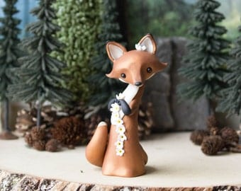 Red Fox Making a Daisy Chain - Fox Figurine by Bonjour Poupette