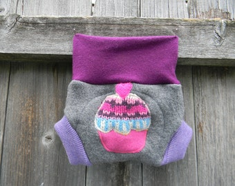 Upcycled Merino Wool Soaker Cover Diaper Cover With Added Doubler Gray/ Purpel With Cupcake Applique NEWBORN 0-3M Kidsgogreen