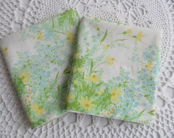 Vintage Pillowcase Pair Green Yellow Floral Springmaid No Iron Spring Colors Standard Size Set of 2 Wondercale