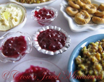 1:12 Silvertone Bowl of Whole Cranberry Sauce by IGMA Artisan Robin Brady-Boxwell - Crown Jewel Miniatures