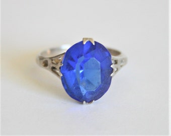 Vintage sterling silver ring.  Blue glass ring.  UK size L.  US size 5.75