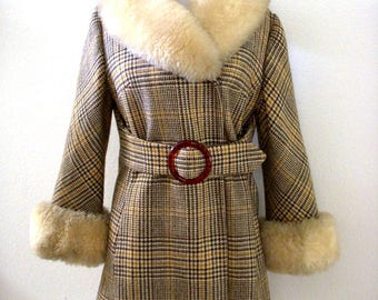 Vintage 70s Brown Tweed Coat with Ivory Fur Collar and Cuffs - Boho Chic 1970s Brown Wool Coat with Large Fur Collar - Size Small