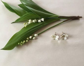 25% OFF SALE ... mother of pearl flower earrings | stud flowers | green aquamarine and mother of pearl petal earrings
