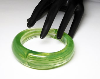 Transparent Green Lucite Bangle - Striped Pea Green & Clear Chunky Wide Bracelet - Retro 1980's 1990's Modernist Vintage Era