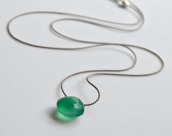 Silk Jewelery Necklace Emerald Green Onyx Faceted Gemstone Briolette Minimal Floating Simple Green Heart Briolette Silk Necklace