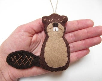 Personalized Beaver Ornament, Beaver Christmas Ornament, Wool Felt Christmas Ornament, Woodland Ornament, Beaver Ornament