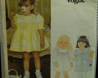 "Girls Yoked Dress Pattern, Puff Sleeves, Full Skirt, Peter Pan Collar, Lace Trim, Little Vogue No.2897 UNCUT Size 1 (Breast 20"" 51cm) Fr/Eng"