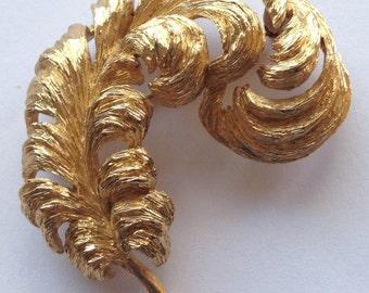 Vintage Large Monet Fern Feather Brooch Gold Tone