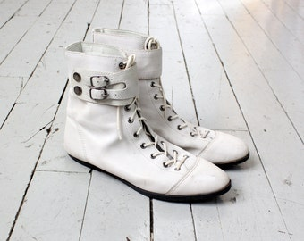 Buckle Boots 7 1/2 - 8 • White Leather Boots • Vintage Leather Boots • White Boots • 80s Boots • Lace Up Boots • Lace Boots | SH317