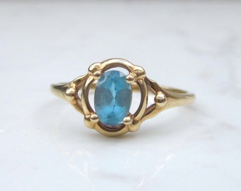 Vintage 10k Solid Yellow Gold Blue Topaz Ring, Size 5.5 // Promise Ring //