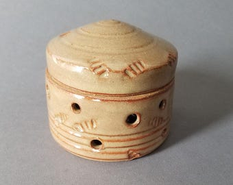 Garlic House Domed Jar with Stripes and Texture Honeyed Ginger Brown