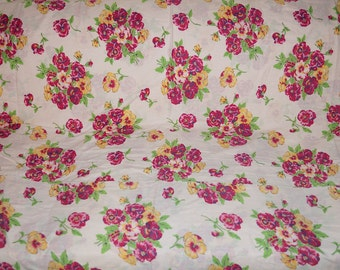 Vintage Pansy Flower Fabric, 50s Cotton Floral Fabric, Purple Pink Yellow Pansies Fabric, Pansy Print Cotton Retro Fabric, Fabric Yardage