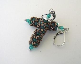Beaded dangle earrings | bronze, green beaded jewelry | green dangles | woven earrings | green beaded earrings | beaded glass earrings