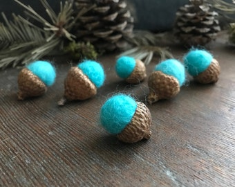 Felted acorns, set of 6, Bright Turquoise, woodland birthday party decor, bright wool acorns, handmade waldorf gift, turquoise felt acorns