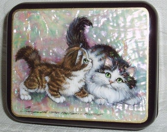 Russian Lacquer box Fedoskino Mother of pearl Two playing kittens Hand Painted cat