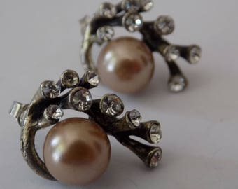 Vintage earrings,champagne pearl and crystals stud earrings,retro jewelry