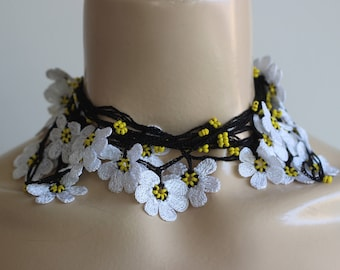 White Daisy Necklace-Crochet Necklace-Turkish Oya Necklace-Black Lariat Necklace with Beads