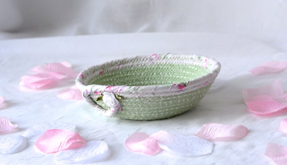 Mint Green Basket, Handmade Pastel Mint Basket, Key Holder bowl, Moss Green Bowl, Cute Desk Accessory Basket, Paperclip Holder