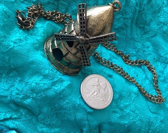 Big windmill necklace/bronze or brass no moving parts