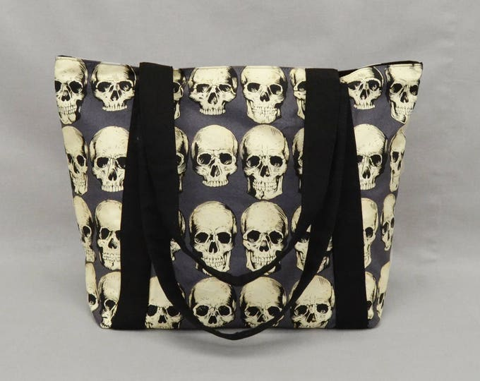 Realistic Skulls Zipper Tote Bag with Pockets, Fabric Shoulder Bag, Canvas Liner, Gray Black Cream
