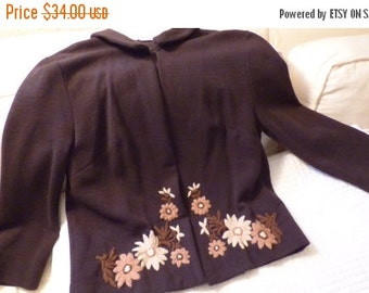 AUTUMN SALE Small Nuesteters 1960s embroidered, Brown Knit Skirt Suit in Very Good Shape!